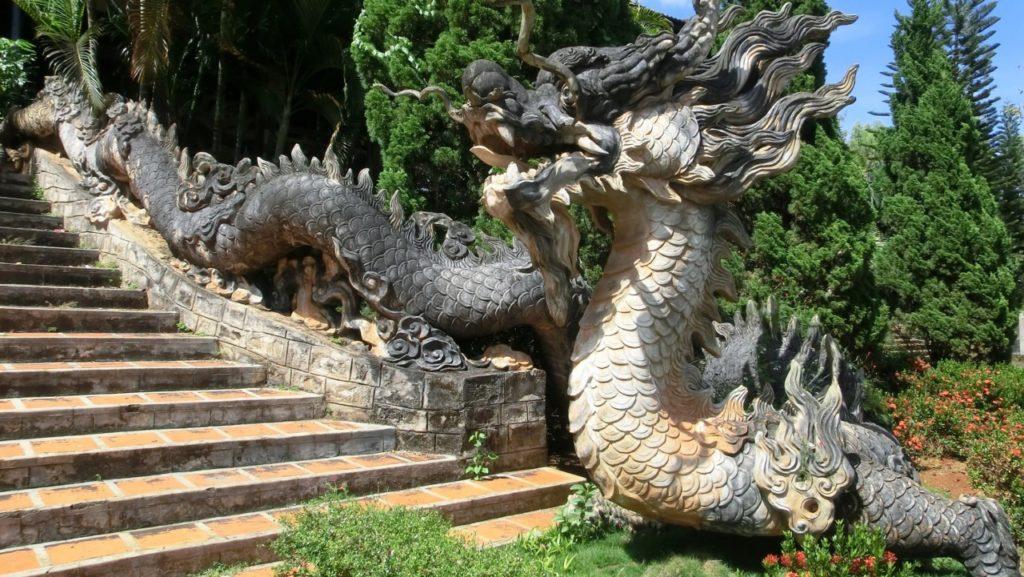 Drachen am Linh An-Tempel nahe Da Lat, Vietnam