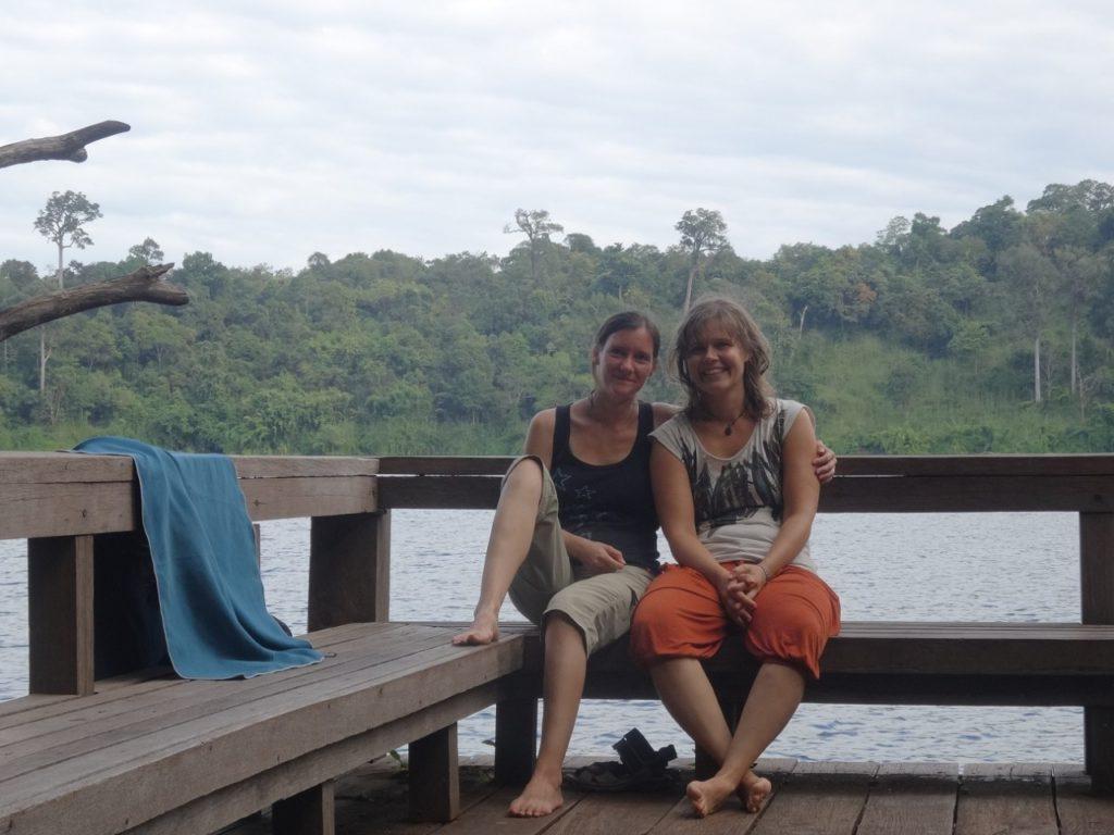 Frisch gebadet im/am Yeak Loam-Kratersee in Banlung, Kambodscha Fröhliche Weihnachten! :-)